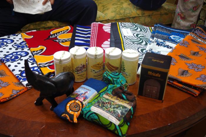 国際芸術家センター「大使館でお茶を第1回タンザニア大使館」タンザニアの雑貨