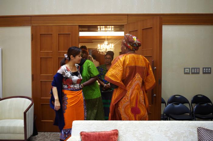 国際芸術家センター「大使館でお茶を第1回タンザニア大使館」タンザニア大使館の方たち。