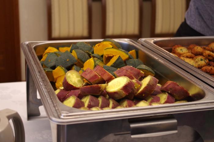 国際芸術家センター「大使館でお茶を第1回タンザニア大使館」タンザニアの軽食