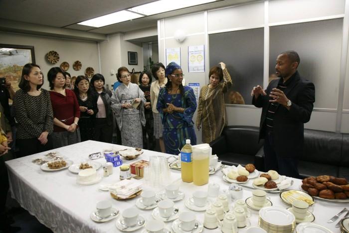国際芸術家センター「大使館でお茶を第3回ボツワナ大使館」ボツワナの食についてレクチャー。