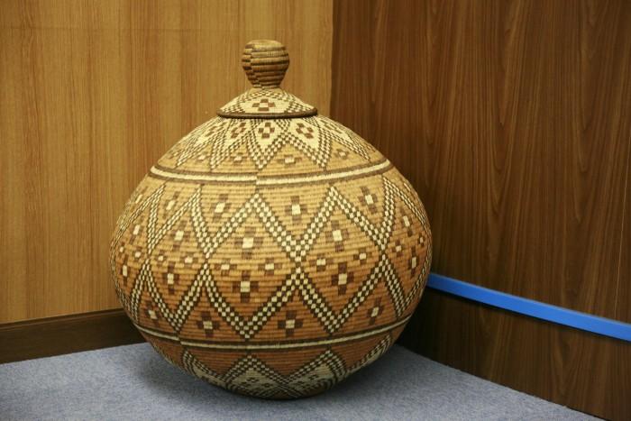 国際芸術家センター「大使館でお茶を第3回ボツワナ大使館」ボツワナバスケット