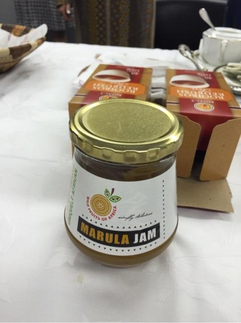 国際芸術家センター「大使館でお茶を第3回ボツワナ大使館」Marulaという果実のジャム。