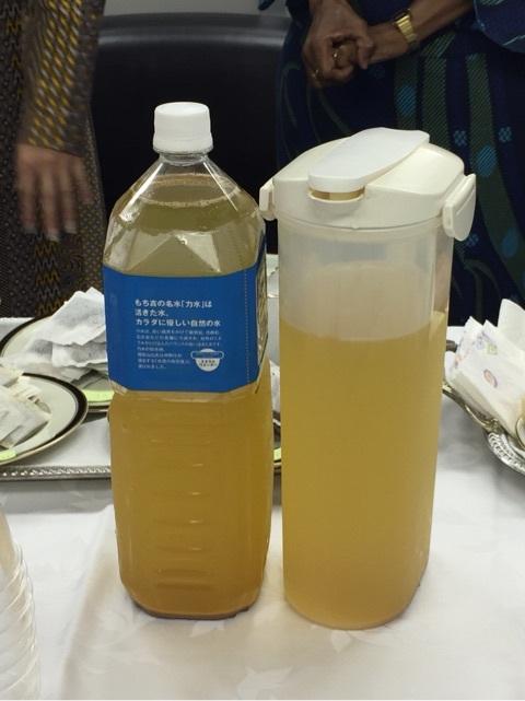 「大使館でお茶を第3回ボツワナ大使館」ボツワナの飲み物。