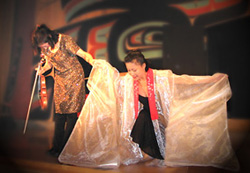 アラスカ・シトカで行われたヴァイオリンとバレエのパフォーマンス会場で