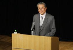 NPO法人としてのIACについて語る山口理事長