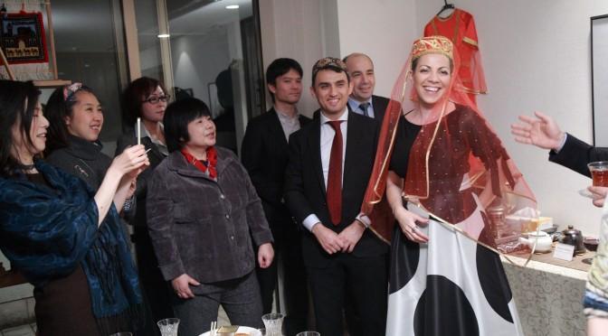 国際芸儒家センター「大使館でお茶を第4回アゼルバイジャン大使館」