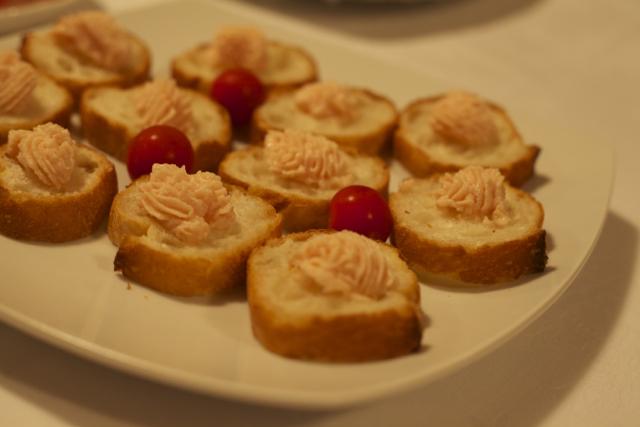 「大使館でお茶を第8回ルーマニア大使館」「ルーマニア風魚卵サラダ」 Salata de icre(サラタ・デ・イクレ)