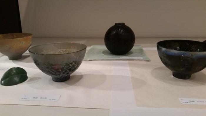 国際芸術家センター×TAKENOBU共催イベント、松浦健司:ガラスの魅力を最大限に引き出し、商品とアートの中間の日々の生活が楽しくなる作品です。
