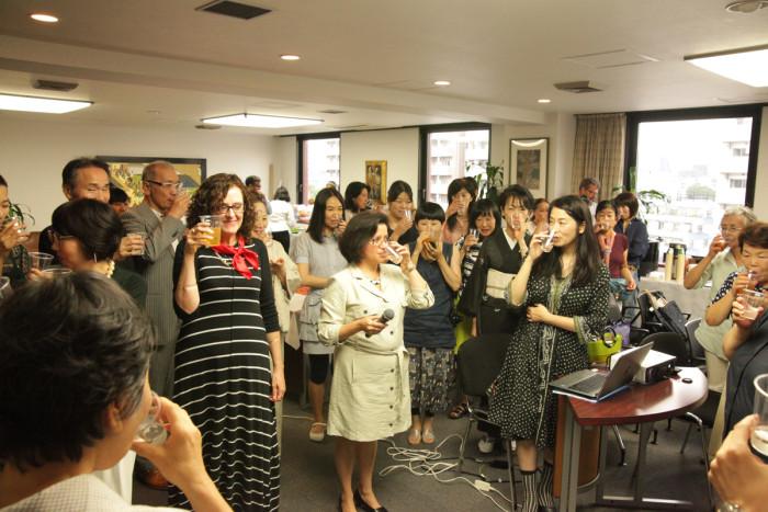 「大使館でお茶を第10回グァテマラ大使館」グァテマラ大使を囲んで乾杯!
