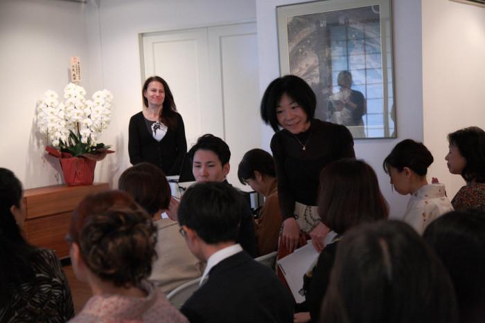 「大使館でお茶を第11回リトアニア共和国大使館」参加者自己紹介。