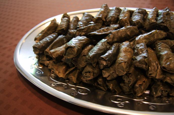 国際芸術家センター「大使館でお茶を第7回アルメニア」葡萄の葉のドルマ モニカさんに教わったレシピで再現しました。