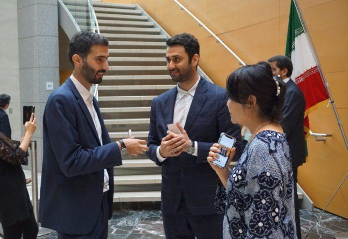 イラン大使館文化センター内で行われたお茶会