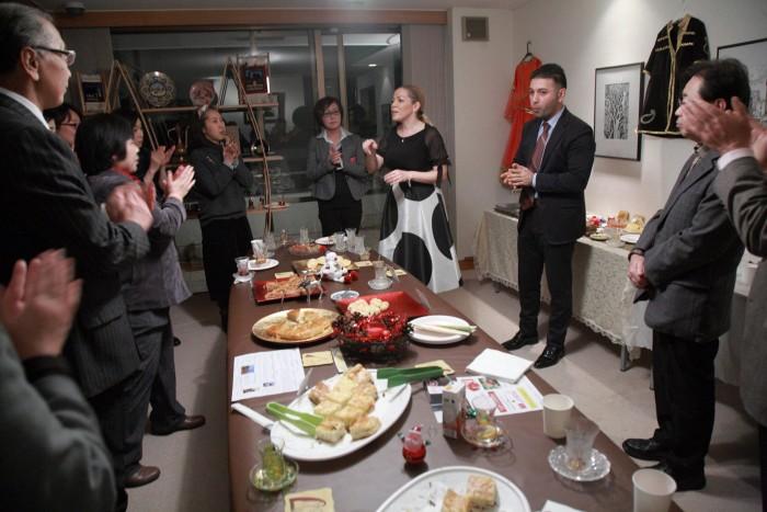 国際芸術家センター「大使館でお茶を第4回アゼルバイジャン」